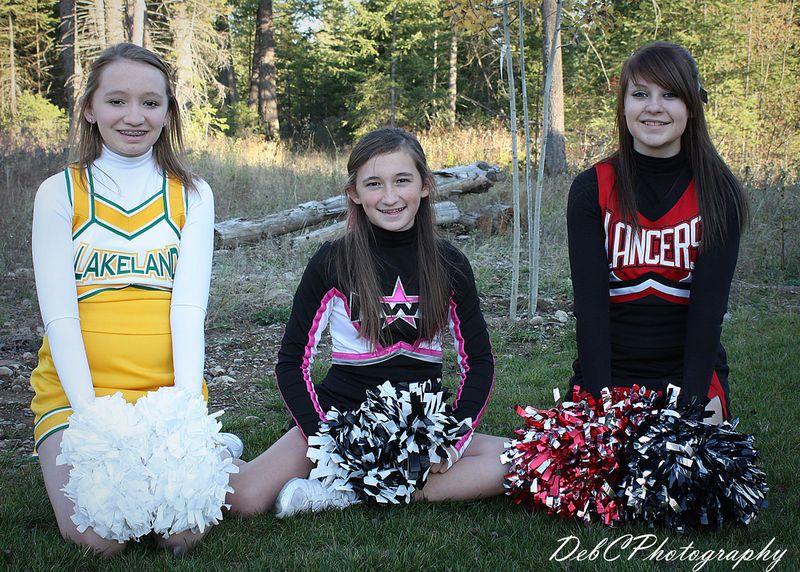 3-cheerleaders-web
